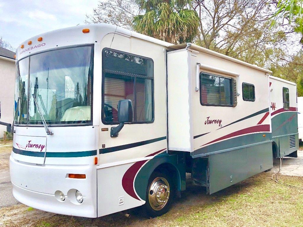 well loaded  2000 Winnebago Journey 36L camper for sale