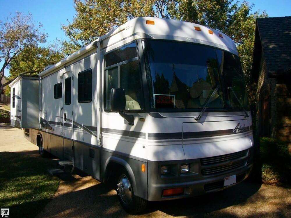 well optioned 2000 Winnebago Adventurer camper for sale