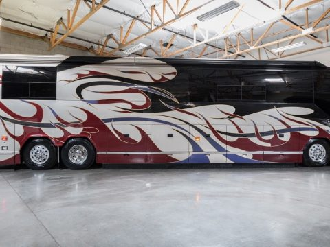 custom equipped 2004 Prevost Vantare H3 45 camper for sale