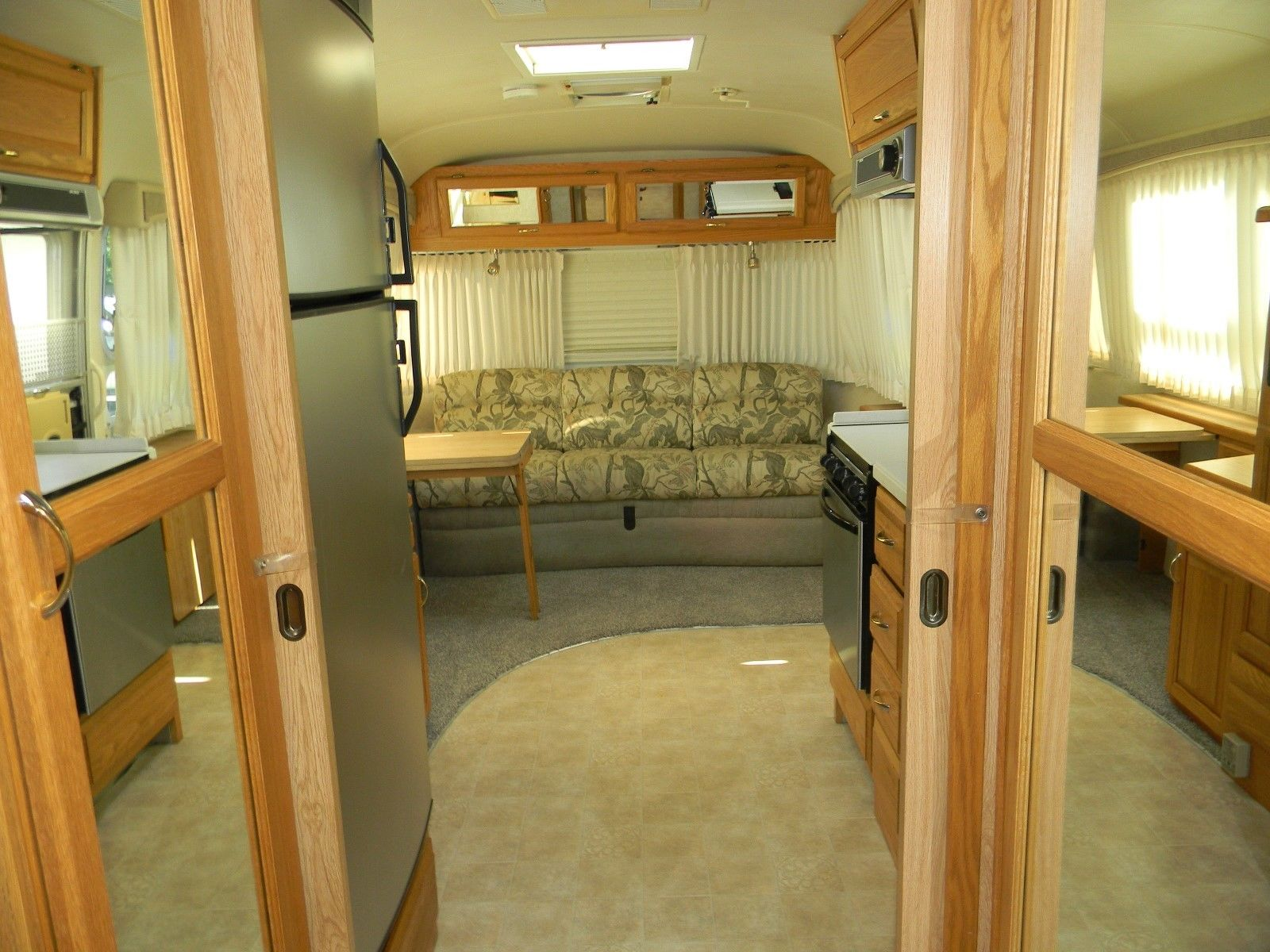 excellent shape 2004 Airstream CLASSIC camper