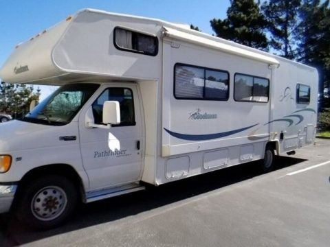 great shape 2003 Coachmen Pathfinder Sport camper rv for sale