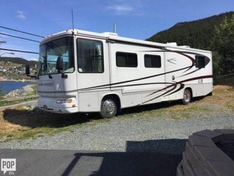 great shape 2004 Gulf Stream Crescendo camper for sale
