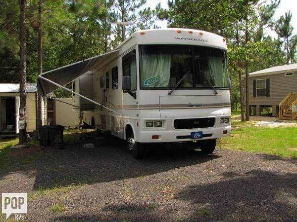 loaded 2004 Winnebago Sightseer camper