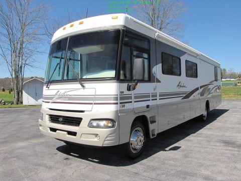 lots of storage 2004 Winnebago Adventurer 38G Class A camper for sale