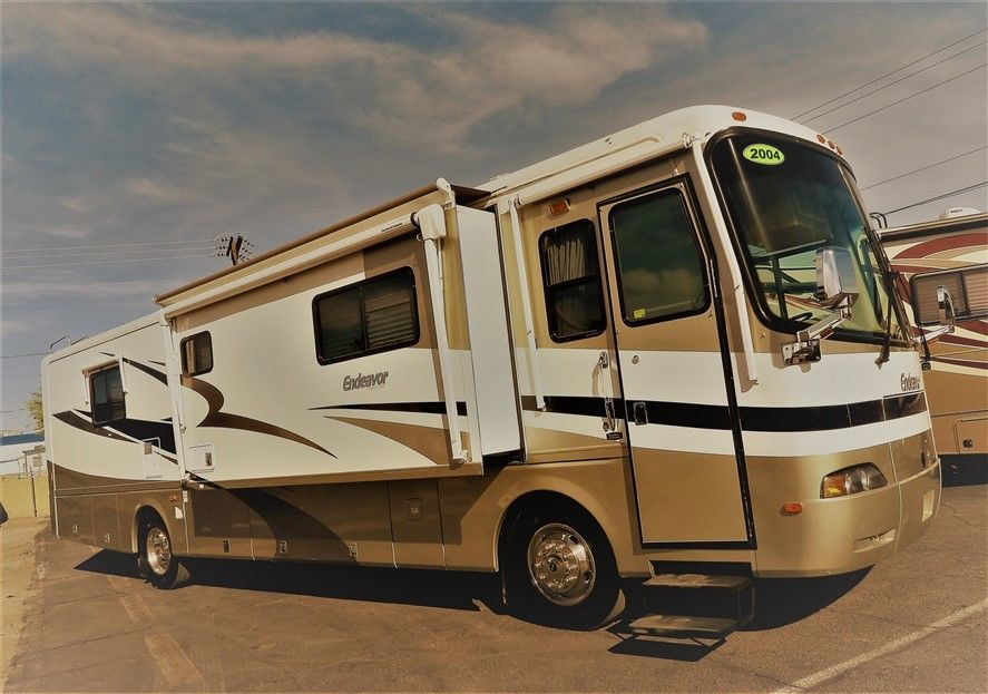 low miles 2004 Holiday Rambler Endeavor 38PST camper for sale