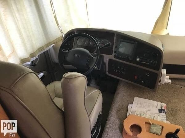 very clean 2004 Forest River Georgetown camper