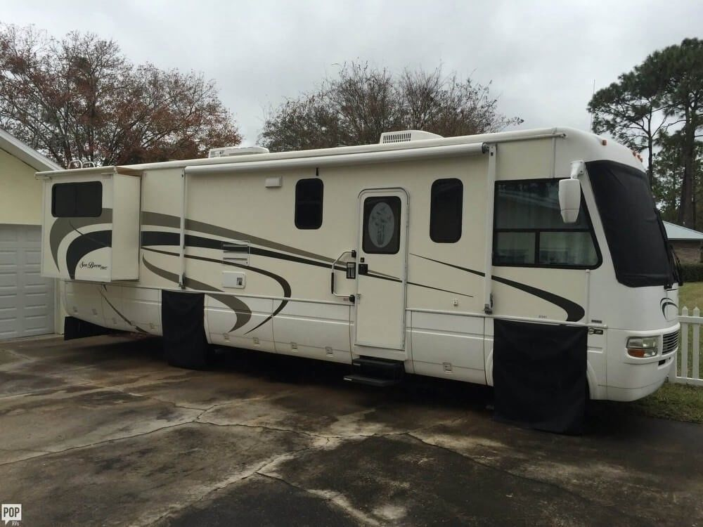 well cared for 2004 National Sea Breeze camper
