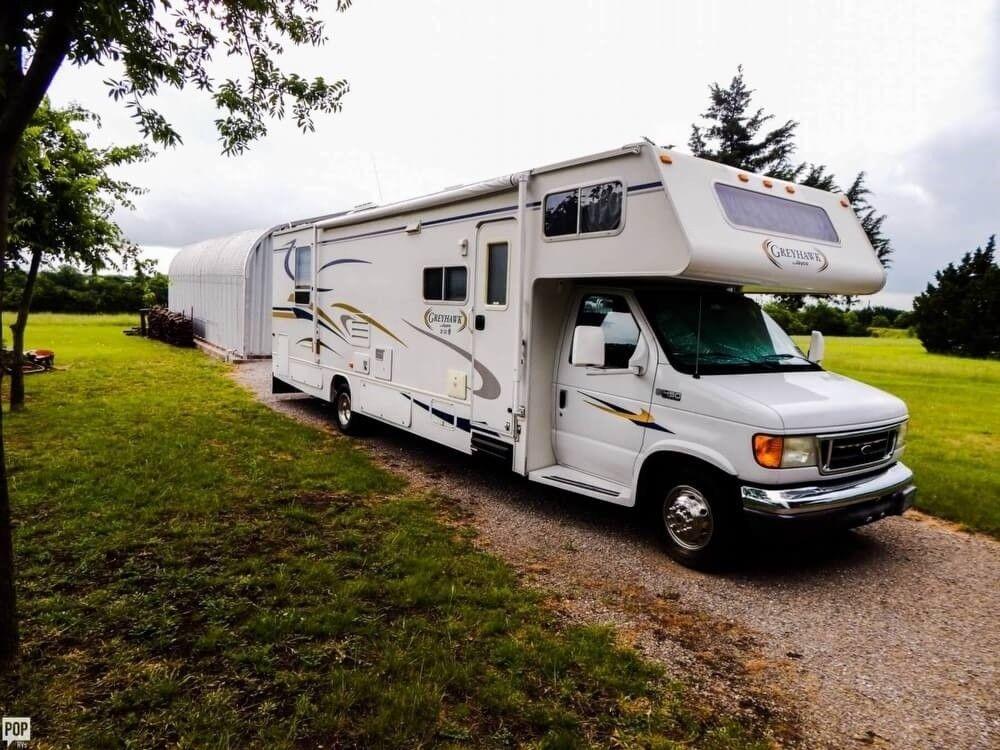 loaded 2005 Jayco Greyhawk camper