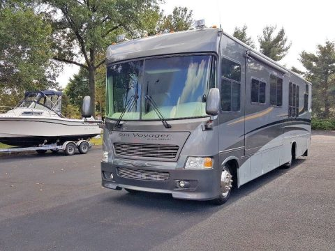 professionally maintained 2005 Gulf Stream Gulfstream sun voyager camper for sale