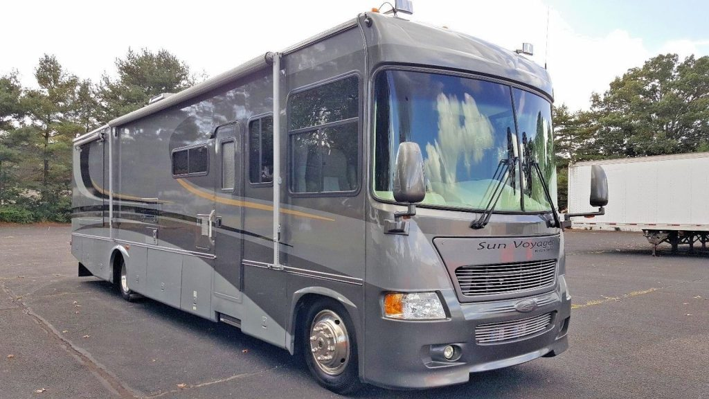 professionally maintained 2005 Gulf Stream Gulfstream sun voyager camper