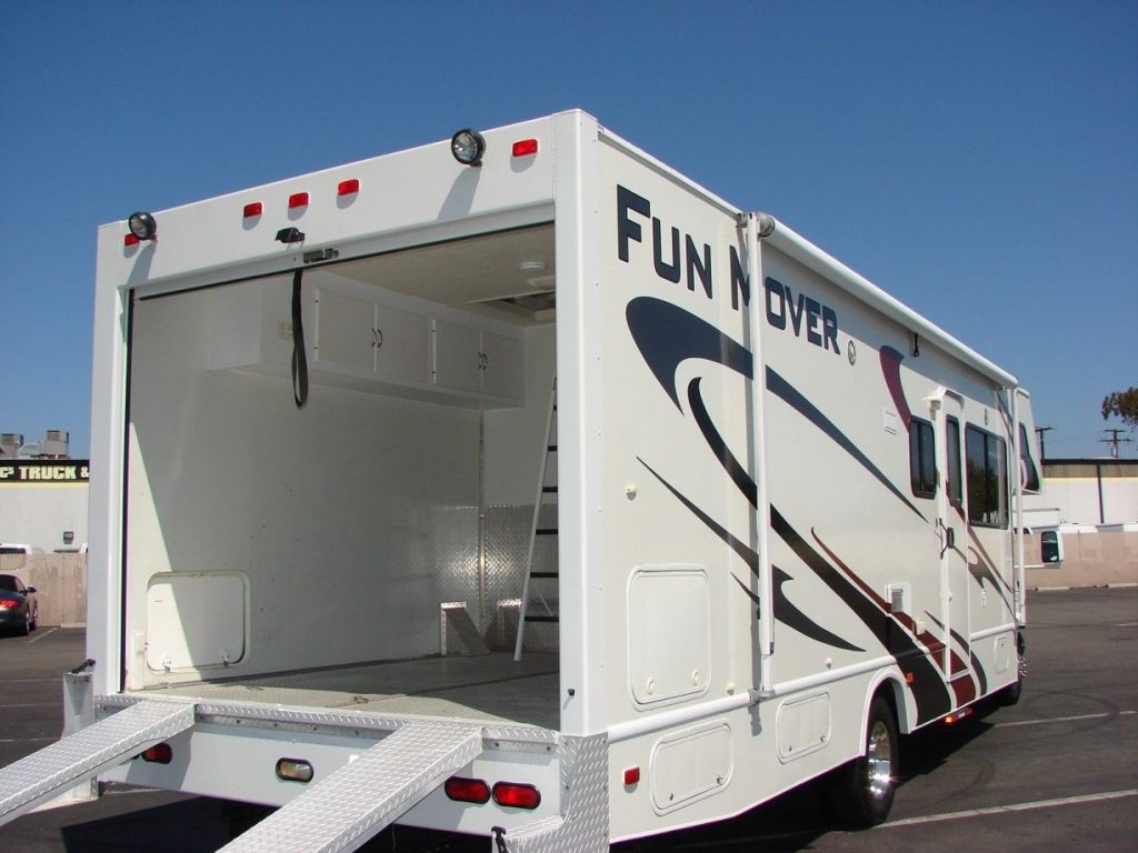 hauler 2006 Thor Four Winds camper