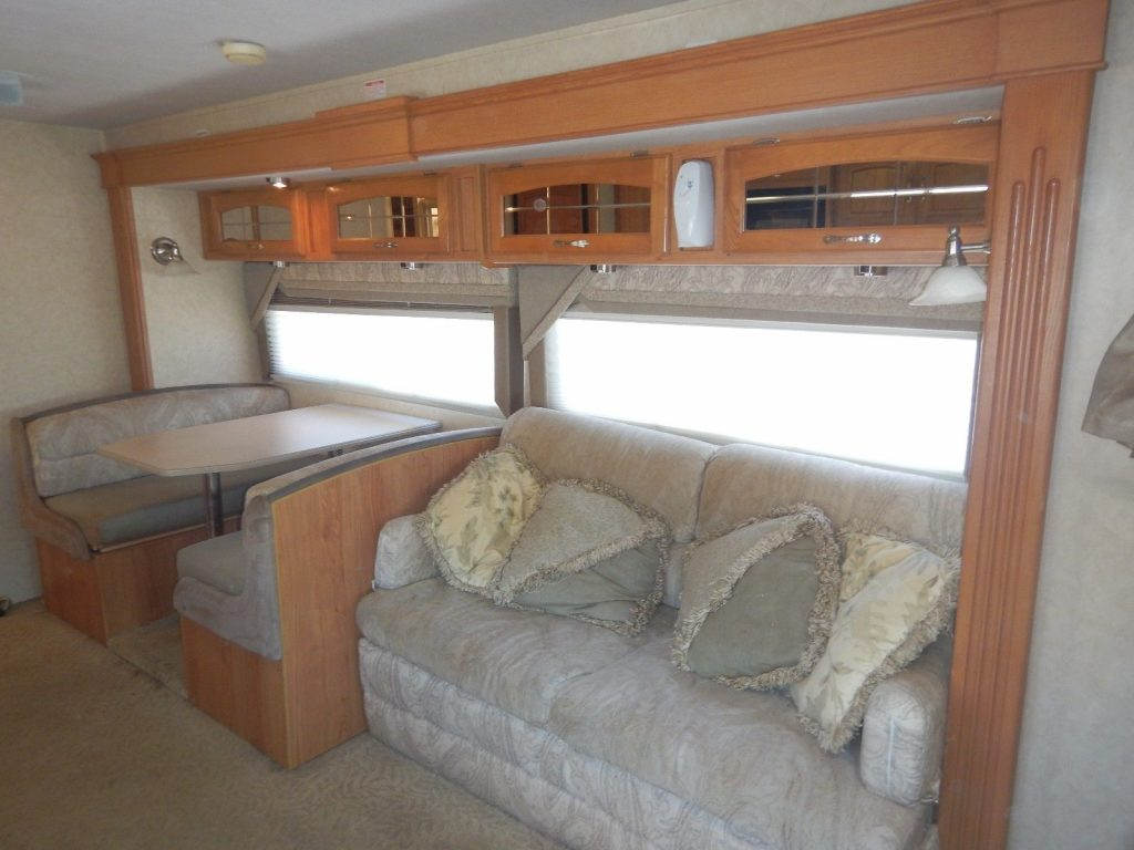 home on wheels 2006 Jayco Granite Ridge 3100SS camper rv