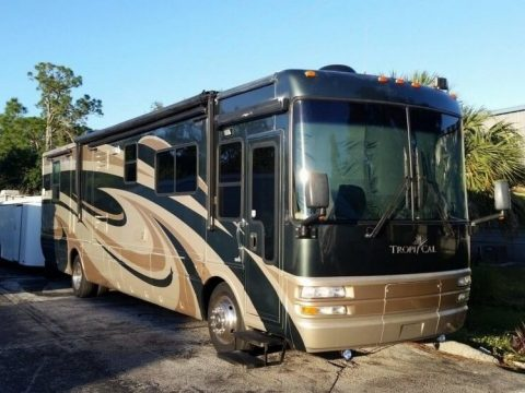 loaded 2006 National Tropical 40 camper rv for sale
