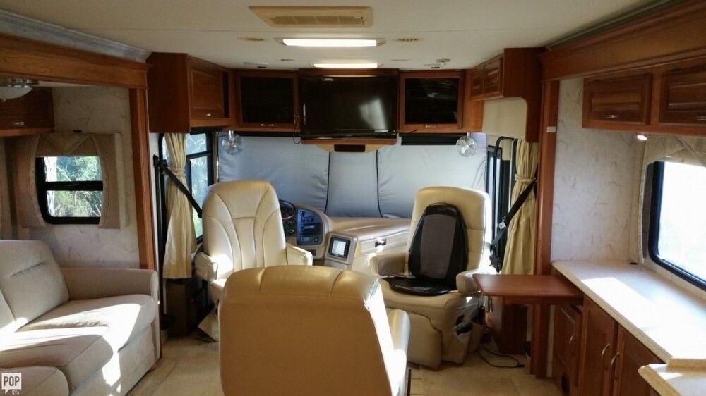 loaded 2006 National Tropical 40 camper rv