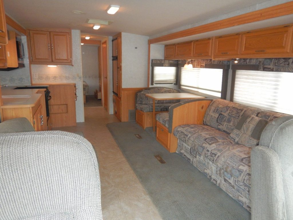 loaded 2006 Winnebago Sightseer 34A camper rv