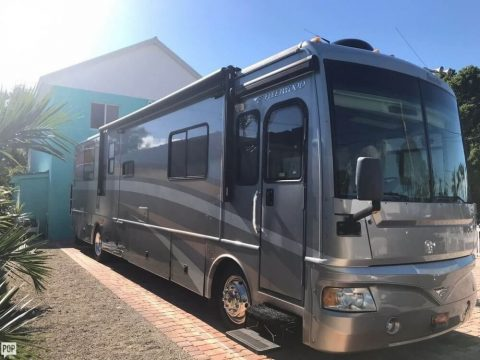loaded with options 2006 Fleetwood Bounder 38 camper rv for sale