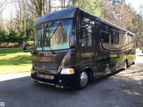 low mileage 2006 Gulf Stream Sun Voyager camper rv for sale