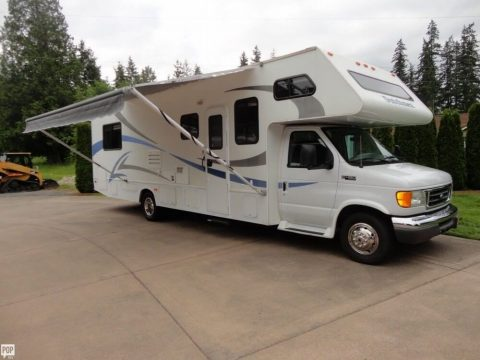 low miles 2006 Four Winds Dutchmen camper for sale