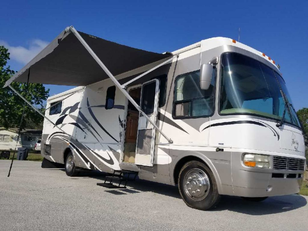 low miles 2006 National Dophin camper rv