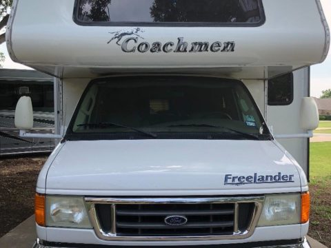 Exceptional shape 2007 Coachmen Freelander camper for sale