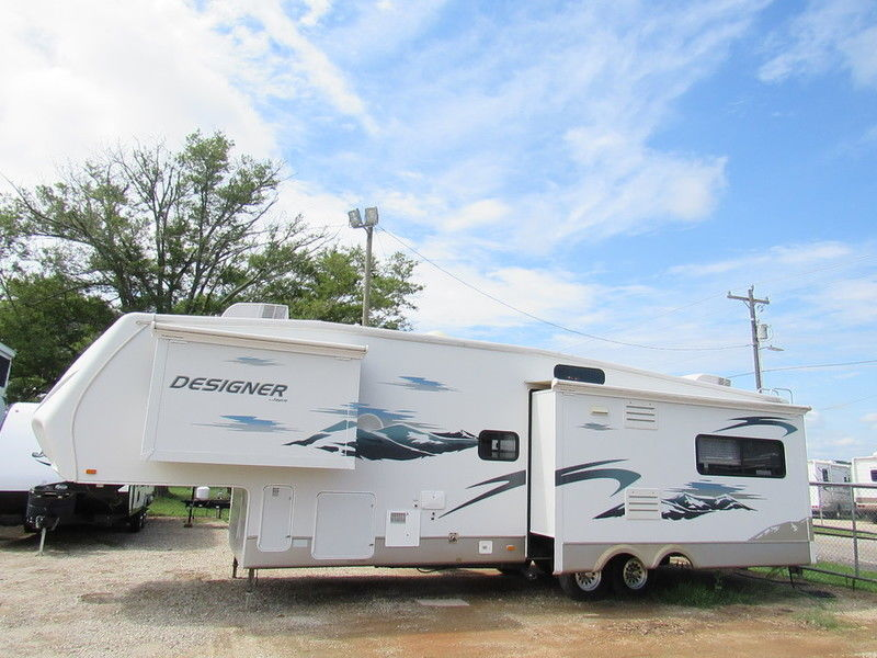 luxury 2008 Jayco Designer 35 RLTS camper for sale