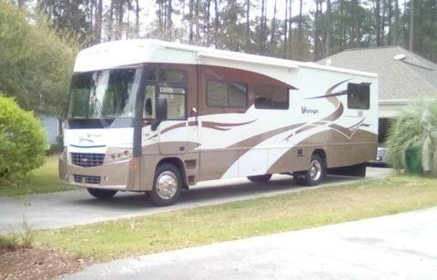 powerful 2007 Winnebago Voyage 35L camper for sale