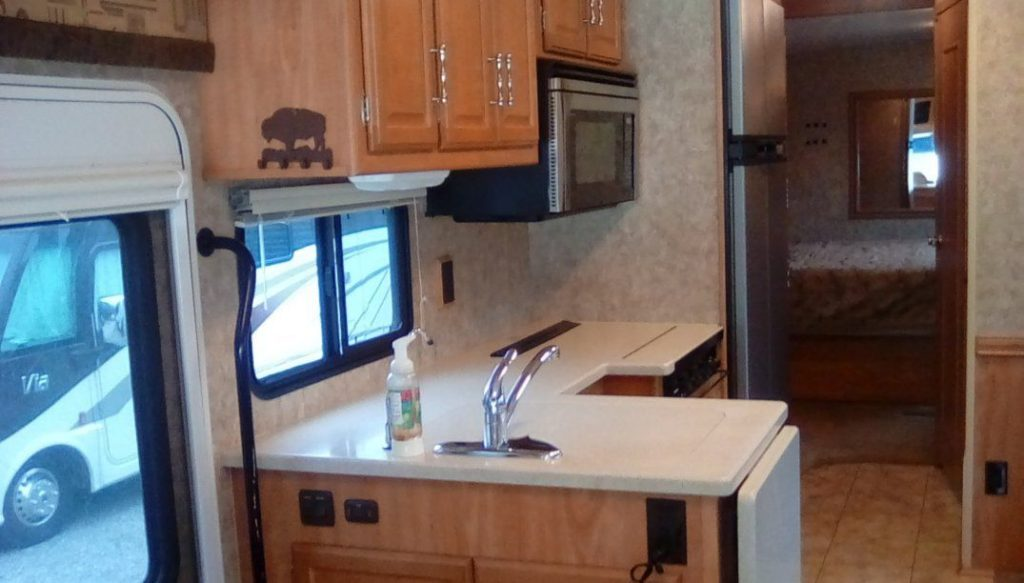 powerful 2007 Winnebago Voyage 35L camper