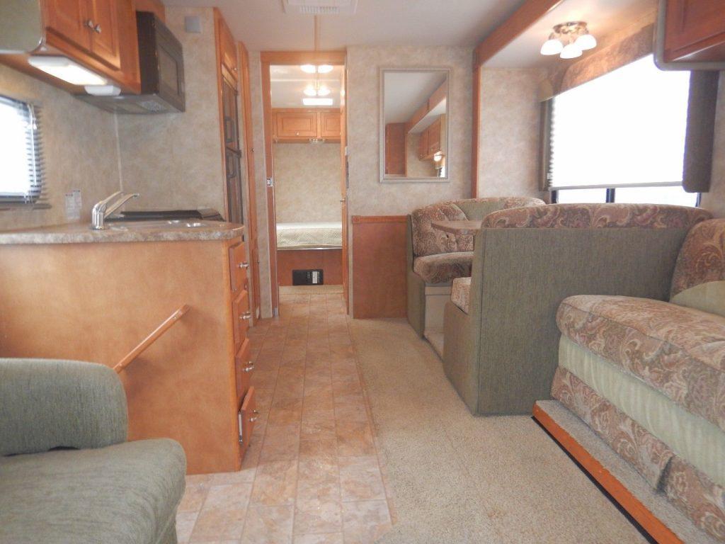 very clean 2007 Gulf Stream Ultra 6316B camper rv