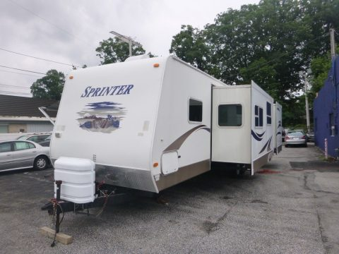 very clean 2007 Keystone Sprinter Bunk House camper trailer for sale