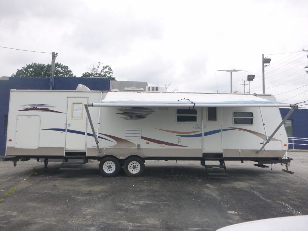 very clean 2007 Keystone Sprinter Bunk House camper trailer