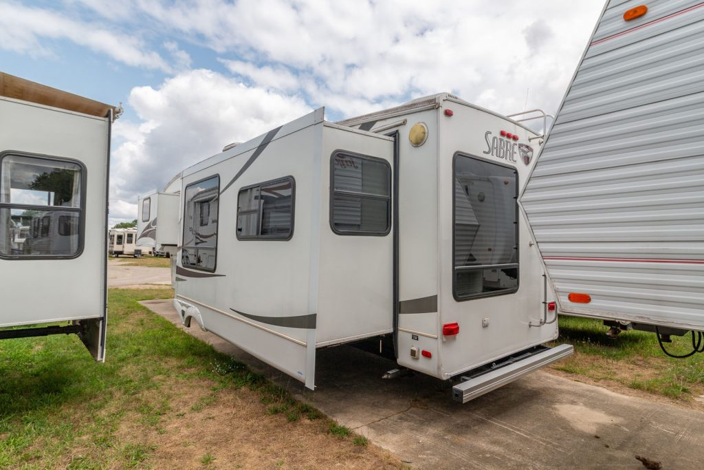 very clean 2008 Forest River Sabre 31reds Camper