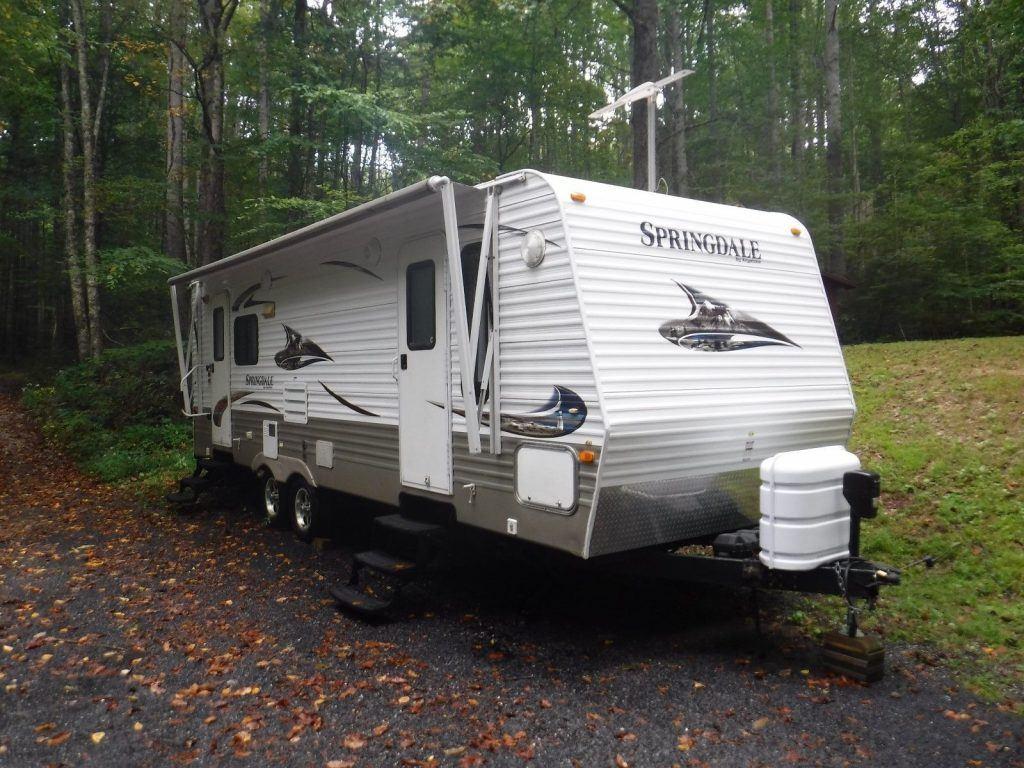 excellent shape 2010 Keystone Springdale camper