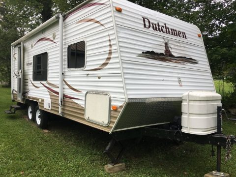 good shape 2008 Dutchmen camper for sale