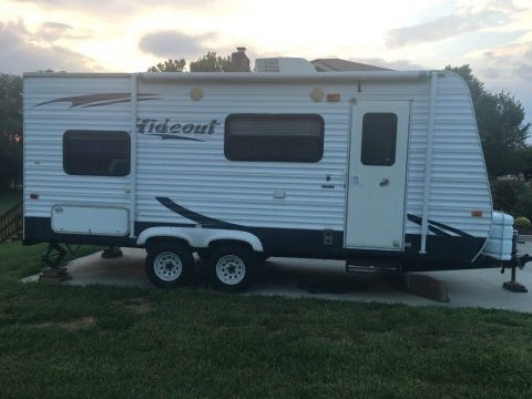 great shape 2009 Keystone Hideout camper for sale