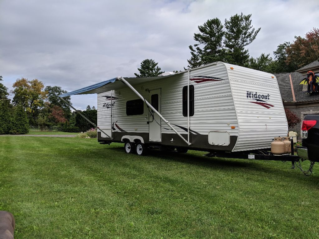 well equipped 2010 Keystone camper trailer for sale