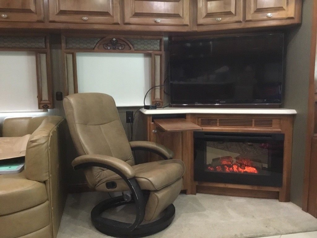 Additional Features 2013 Tiffin Phaeton 40 QBH camper
