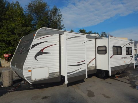 equipped 2013 Dutchmen 318RKDS camper for sale
