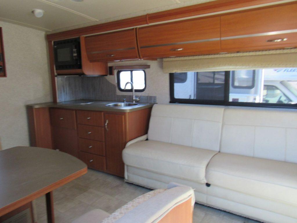 excellent shape 2011 Itasca Navion camper