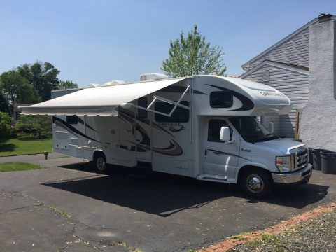 excellent shape 2013 Jayco Greyhawk 31DS camper for sale