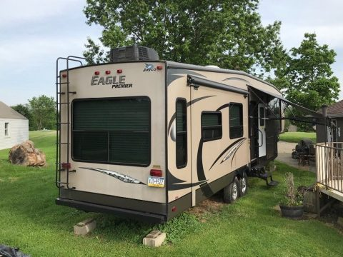 great shape 2013 Jayco 361 MKQS camper for sale