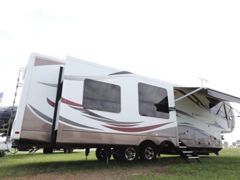 ready to camping 2013 Forest River Cardinal 3675RT camper for sale