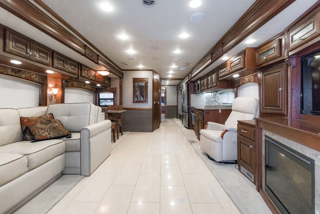 very clean 2013 Thor Motor Coach Tuscany 45LT Camper