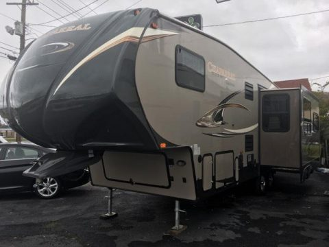 beautiful 2014 Coachmen Chaparral camper trailer for sale