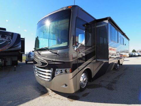 clean 2013 Thor Motor Coach Miramar 34.2 Camper for sale