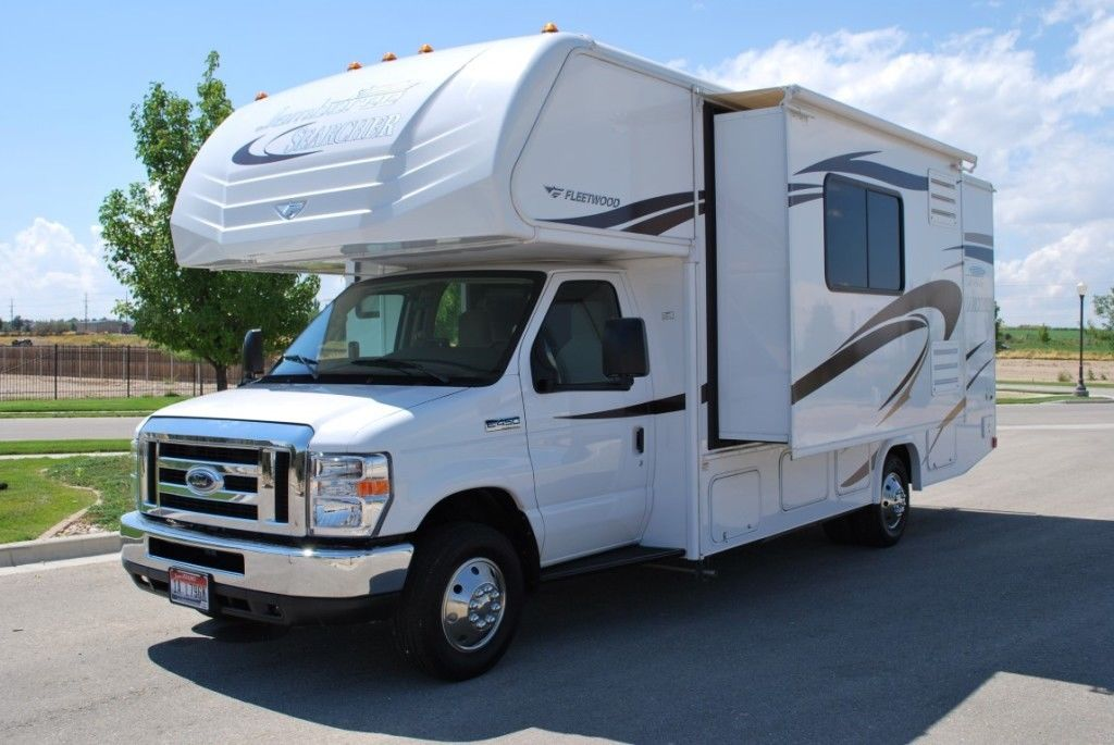 well equipped 2014 Fleetwood Jamboree Searcher 24K camper for sale
