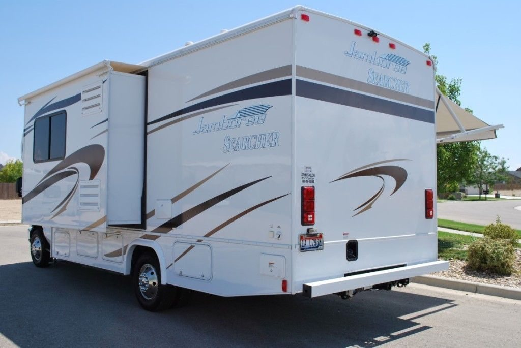 well equipped 2014 Fleetwood Jamboree Searcher 24K camper