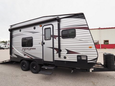 great shape 2016 Gulf Stream Track & Trail Camper for sale