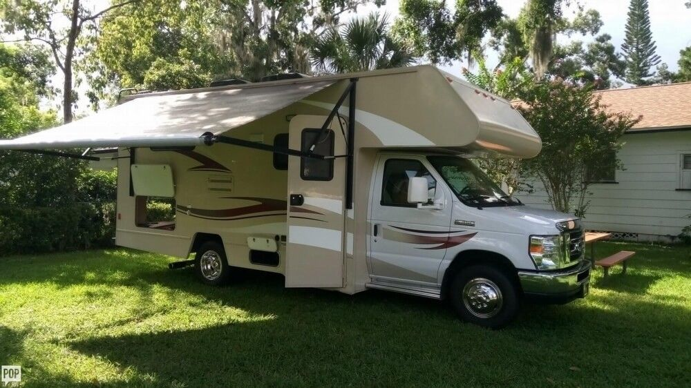low miles 2015 Winnebago Itasca camper for sale