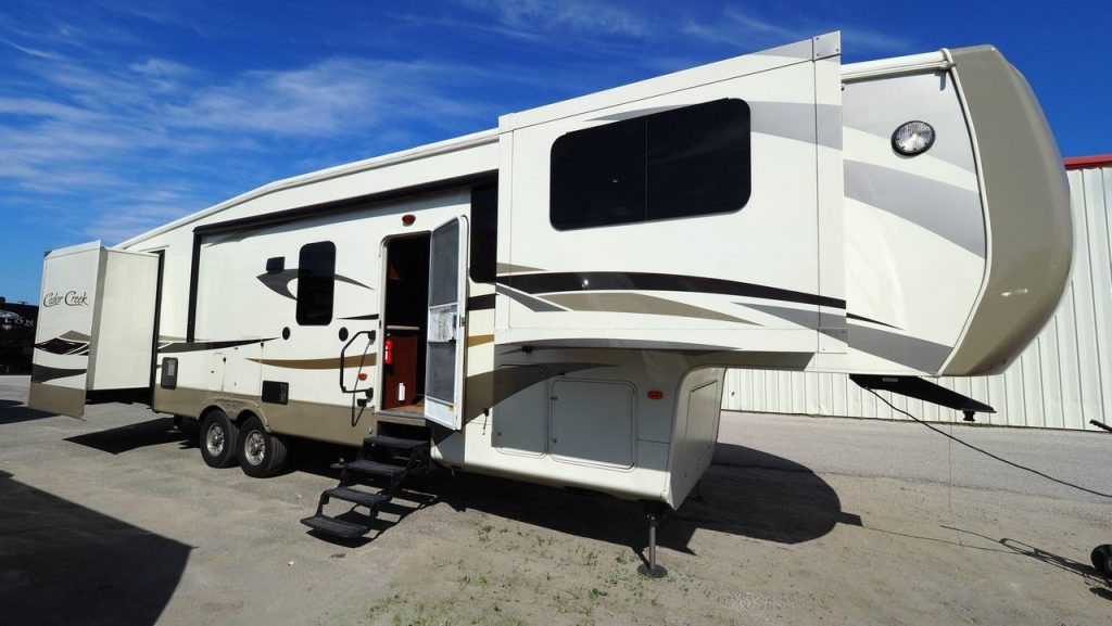 nice 2015 Forest River Cedar Creek camper