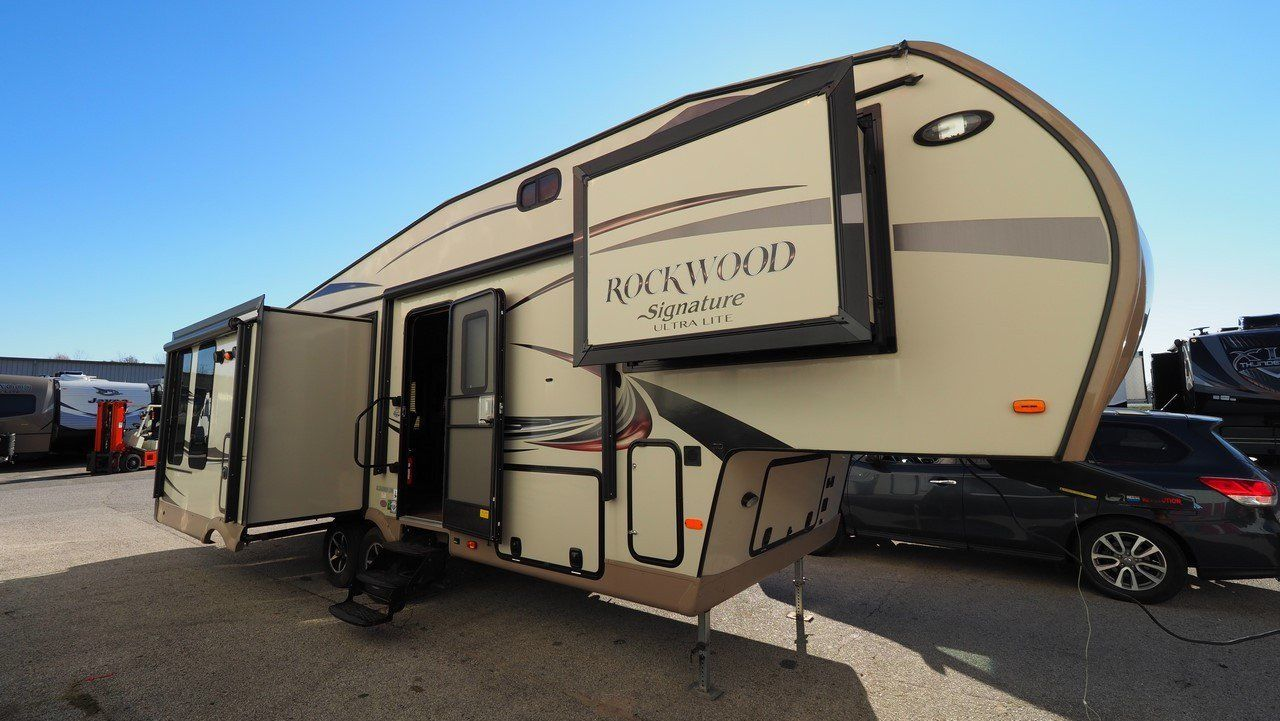 well equipped 2015 Forest River Rockwood Signature Ultra Lite Camper for sale